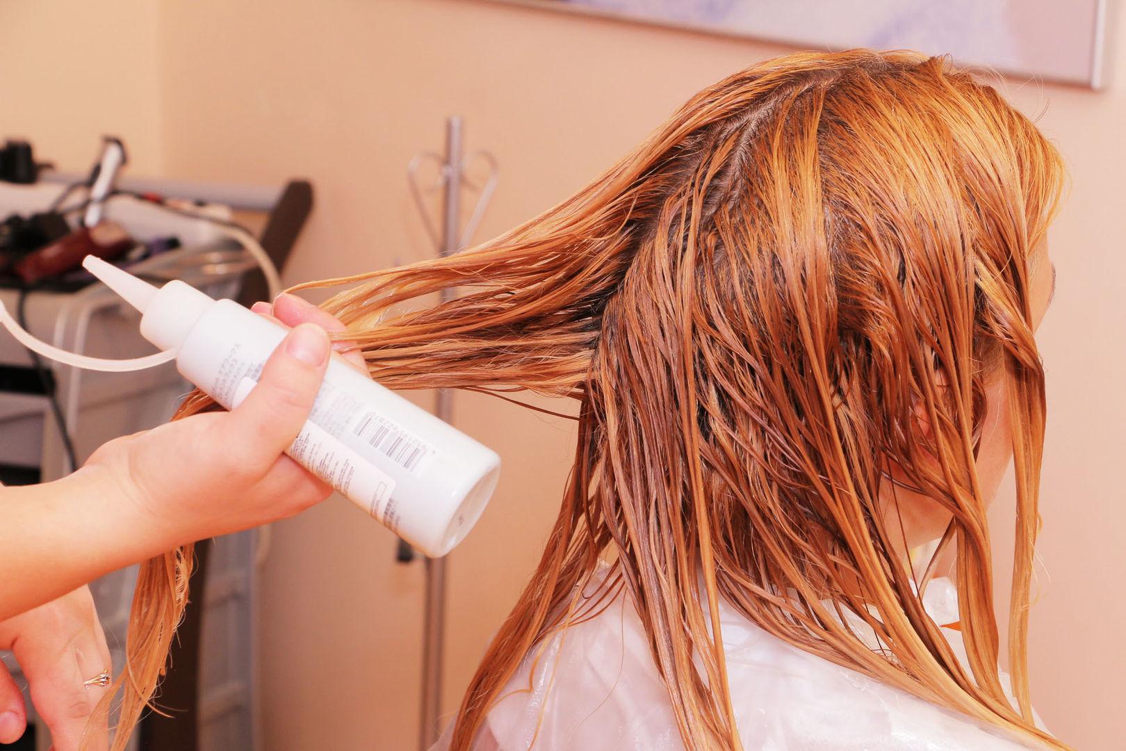 Елена Ильясова в студии красоты L'orange. 2 этап процедуры «Абсолютное счастье для волос»