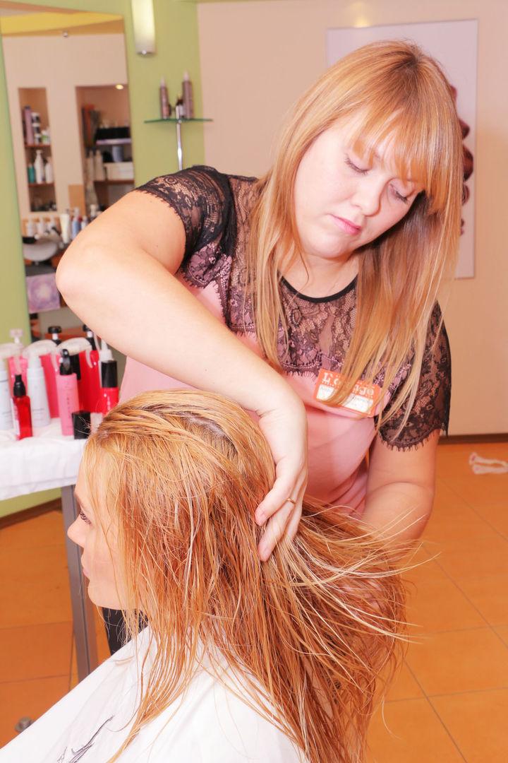 Елена Ильясова в студии красоты L'orange. Укладка после процедуры «Абсолютное счастье для волос»