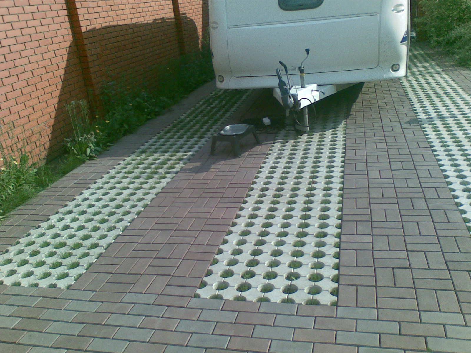 Укладка плитки под автостоянку